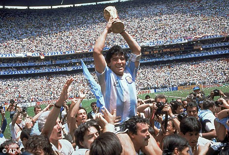 Diego-maradona-argentina-1986-world-cup-celebration